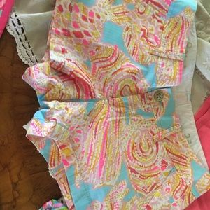 Lilly Pulitzer shorts in Size2